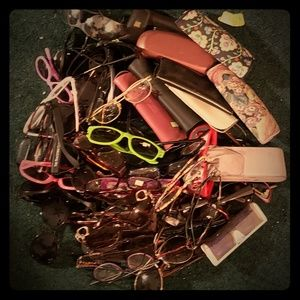 4 pounds of sunglasses, glasses, reading & cases